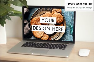 Mac laptop PSD mockup