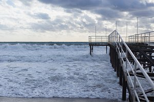 Winter sea and the pier