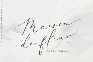 Maison de fleur_Luxury Script Font