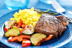 colorful steak and veggie dinner