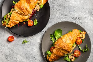 Croissant sandwiches with Salad Leaves, Grilled Mushrooms and Ch