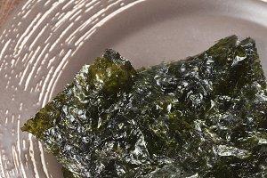 Dry seaweed leaves furmi kim