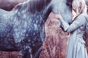 beauty blondie with horse
