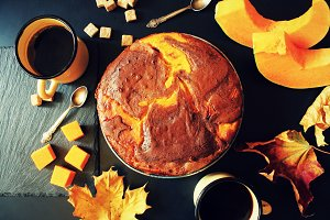 Pumpkin chocolate cake