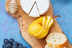 Brie cheese (camembert)