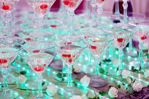 champagne glasses pyramid