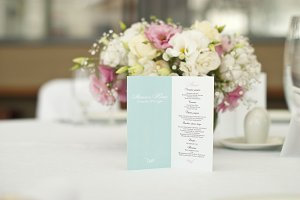 Menu card with beautiful flowers