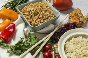 Noodles with vegetables.