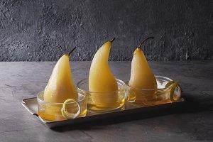 Pears in wine