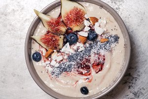 Blueberry banana smoothie bowl with figs