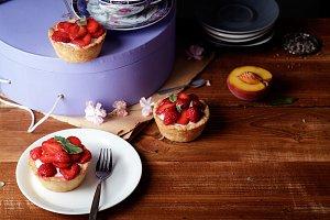 Strawberry tartlets with mascarpone cream