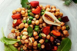 Fresh chickpea salad with mint