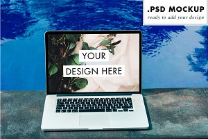 Pool view computer PSD mockup