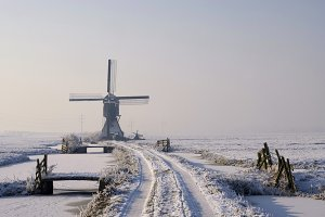 Tiendwegse mill in winter