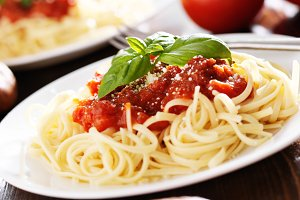 spaghetti with basil in tomato sauce