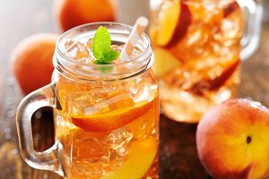 peach tea in mason jars