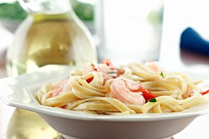 shrimp fettuccine alfredo meal