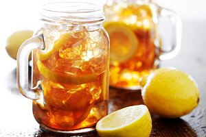 sweet tea in mason jars