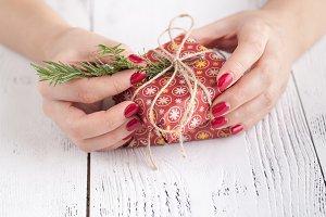 Making and decorate handmade gift