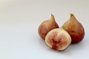 figs fruit with half and quarter iso
