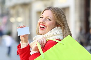 Shopper showing a blank credit card