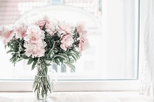 Pastel pink bouquet of peonies