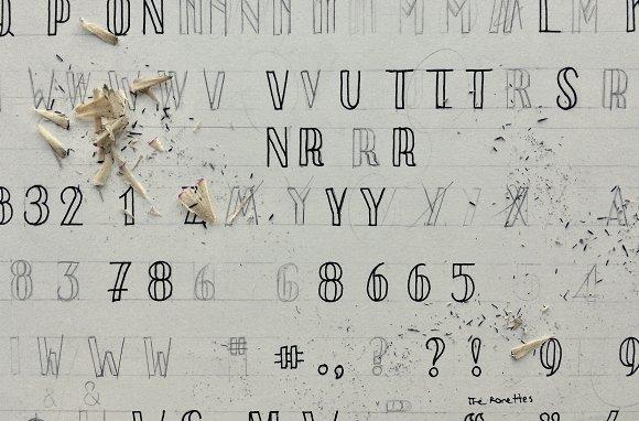 Saranac Hand Font