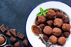 Homemade raw chocolate truffles