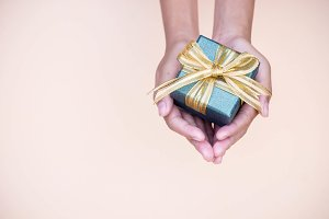Giving gift for thanks you special