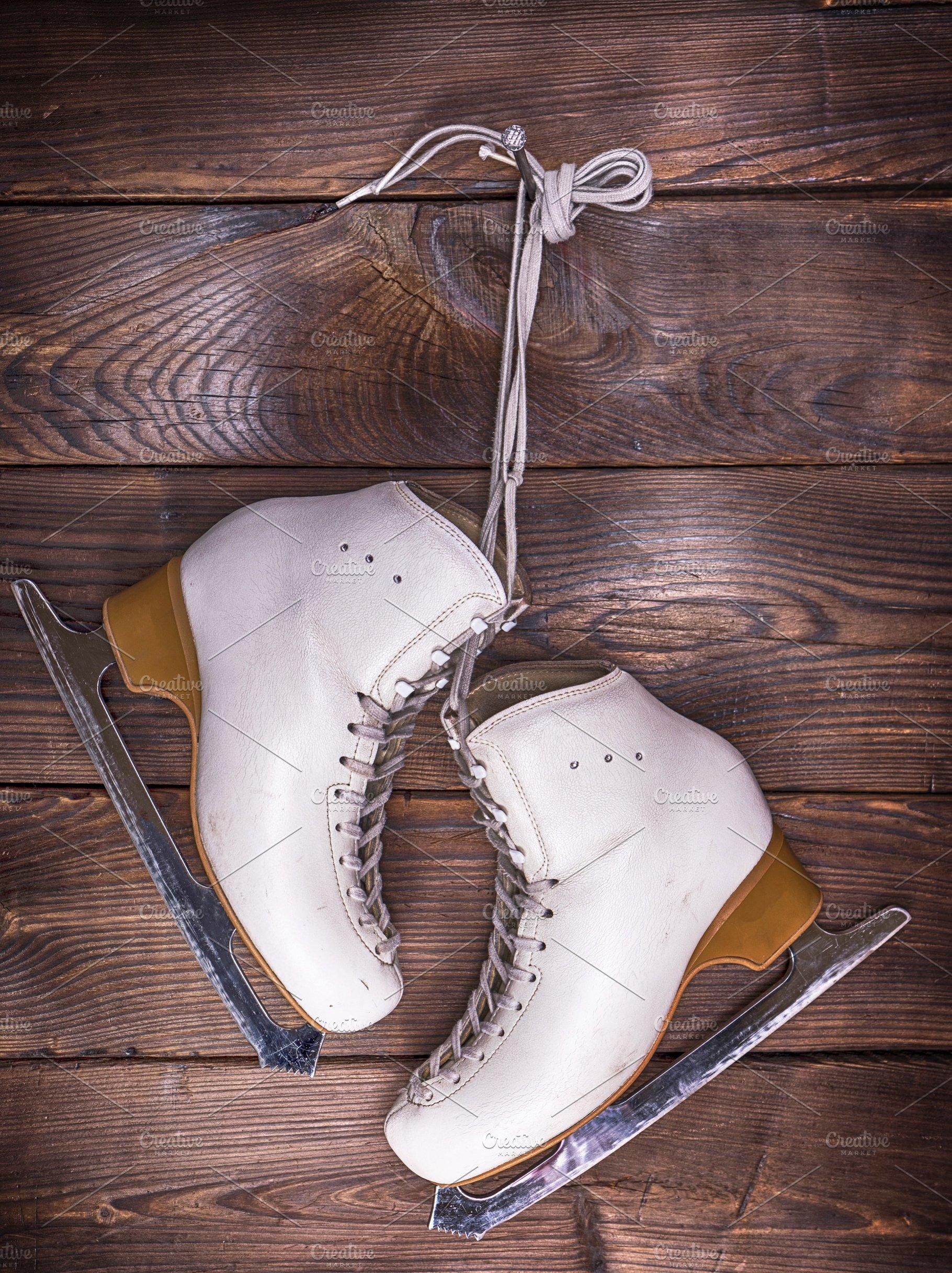 90af131fe49d4 white leather skates