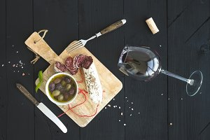 Wine appetizer set