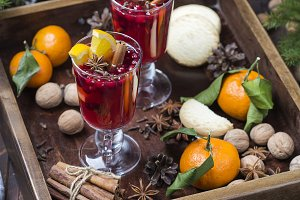 christmas hot mulled wine with cinnamon, cardamom and anise