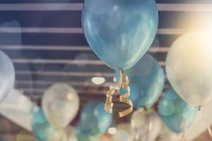 Balloon decoration on ceiling