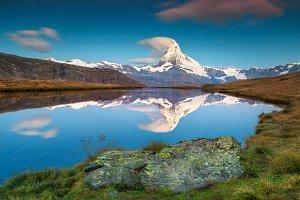 Stellisee lake and Matterhorn peak