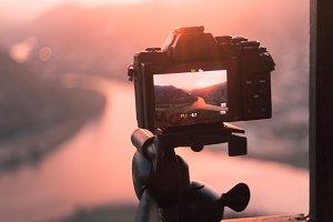 The camera on tripod prepare take th