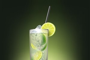 Mojito cocktail with sliced lime