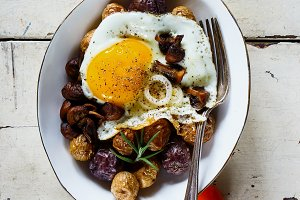 Fried egg and potatoes