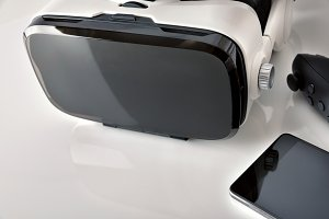 Virtual glasses with phone detail