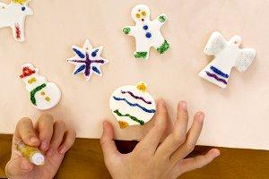 children painting christmas nativity