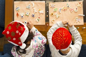 children painting christmas nativity