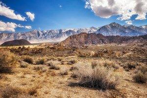 Alabama Hills in Sierra Nevada Mountains , California