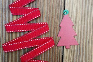 Ribbon Xmas tree on old boards