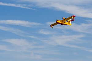 hydroplane flying over blue sky