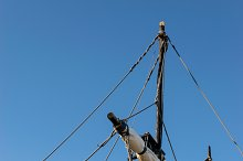 Caravel ropes, ladder & folded sails