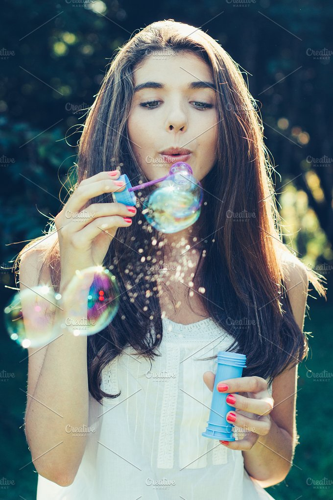 Blowing bubbles.jpg - Holidays