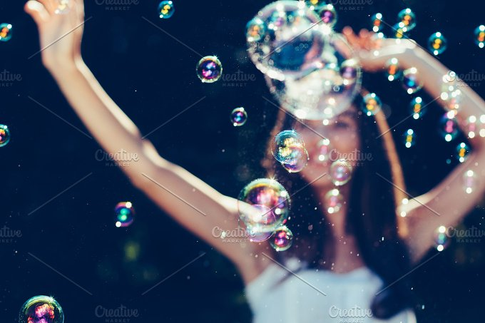 Bubbles party.jpg - Holidays