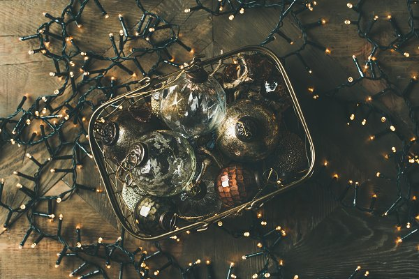 Christmas decoration balls in box a…