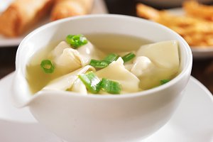 chinese wonton soup in bowl