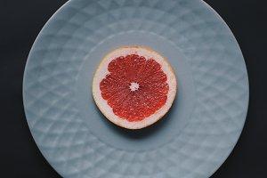 Single slice of grapefruit