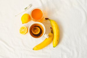 hot tea, vitamins for treatment.